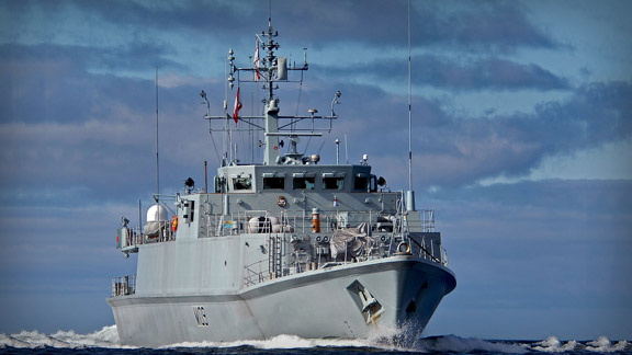 Buque antiminas HMS Bangor. Foto NG