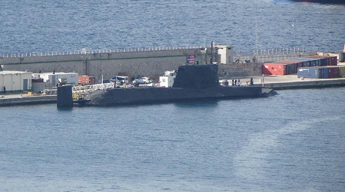 El HMS Ambush en el puerto de Gibraltar durante este último atraque