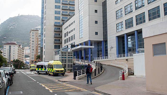 Acceso al hospital de Gibraltar. Foto Sergio Rodríguez