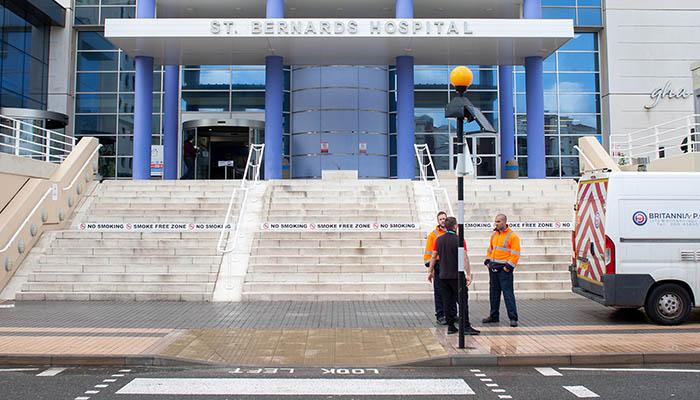 Entrada al hospital St. Bernards, en Gibraltar. Foto: SR
