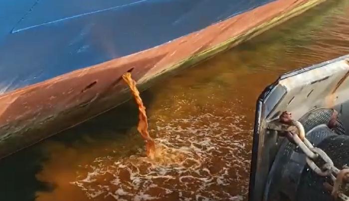 Adelante Algeciras pide explicaciones a Capitanía sobre el vertido de un ferry