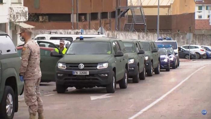 El convoy de infantes de marina a su llegada a Algeciras. Foto Video Onda Algeciras TV