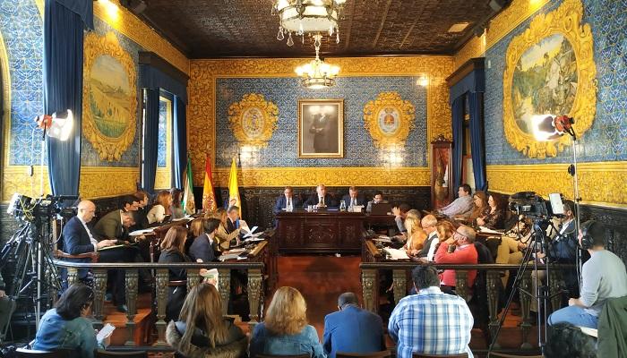 El pleno aprueba el rescate del servicio público de transporte de Algeciras