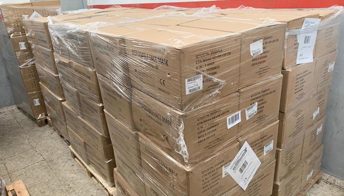 Las cajas con las mascarillas que se repartirán en la provincia de Cádiz