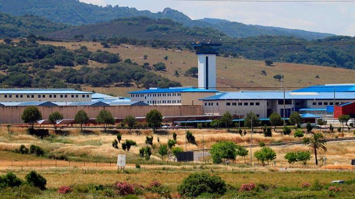 Sindicatos denuncian la falta de facultativos en la prisión de Botafuegos