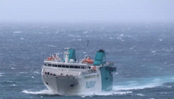 El temporal suspende las salidas para camiones desde el Puerto