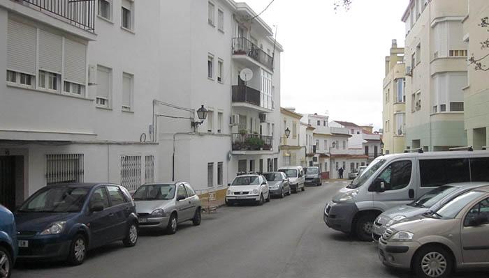 Calle Constitución de la ciudad de San Roque. En uno de sus pisos se alojó el comando argentino que pretendía atentar en Gibraltar. Foto APG