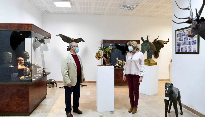 Inaugurada la exposición 'El cobre, un metal hecho arte' en Algeciras