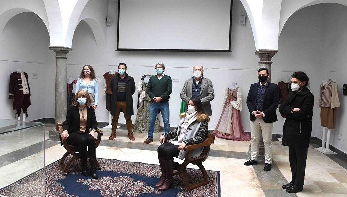 La exposición 'Don Gil de las Calzas Verdes', inaugurada en Algeciras