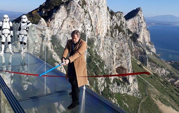 Puente alegórico de la Guerra de las Galaxias al que se refiere el GSD. Foto Infogibraltar