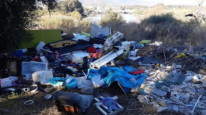 Verdemar denuncia la suciedad en los alrededores del río Palmones