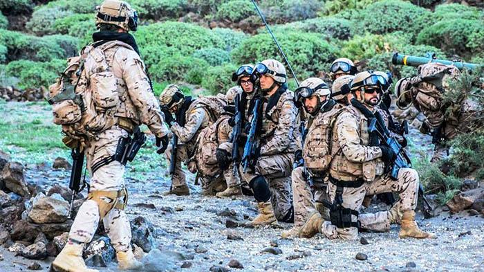 Infantes de Marina españoles, en la sierra de El Retín. Foto Cuartel General de la Flota