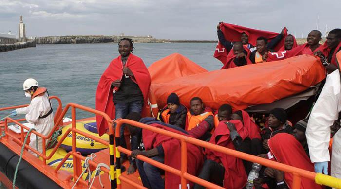 Inmigrantes rescatados llegan a Tarifa