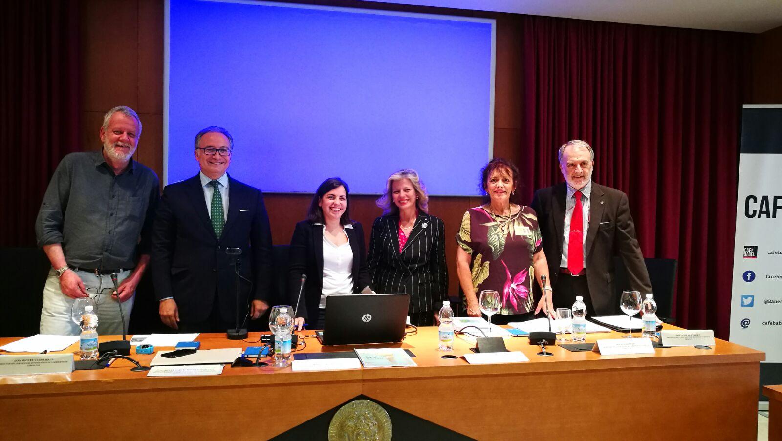 Participantes en la mesa redonda sobre el brexit en Sevilla