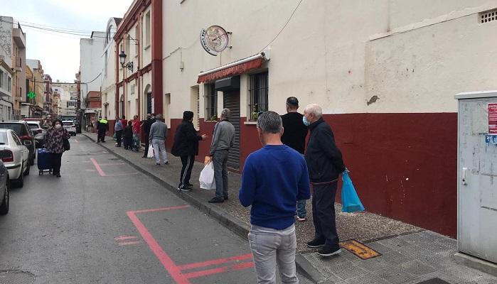 Los linenses siguen eligiendo el Mercado Municipal para realizar sus compras