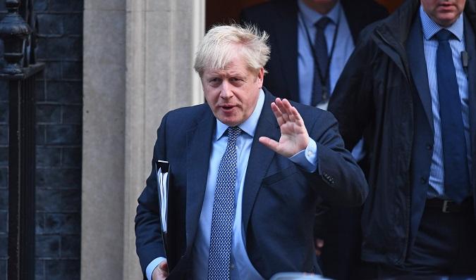 Jhonson avisa de que el Reino Unido se marchará como muy tarde en enero