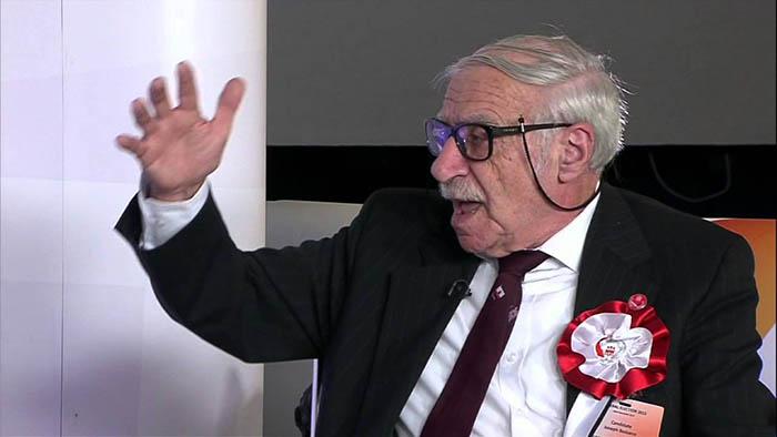 Joe Bossano durante la campaña electoral de 2015 en Gibraltar