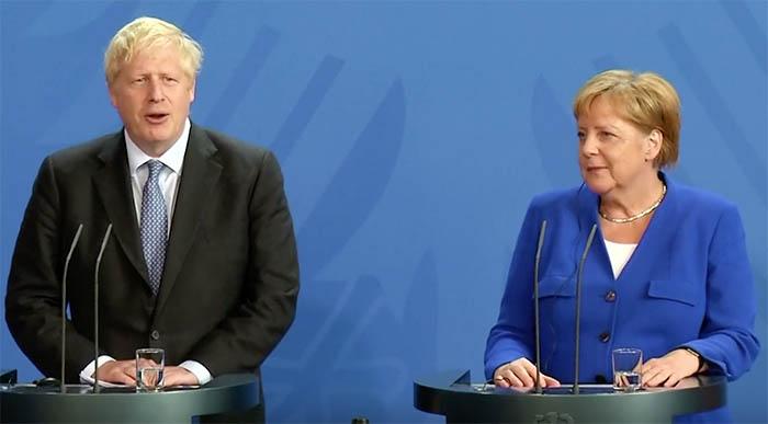 Boris Johnson y Ángela Merkel, en una comparecencia anterior