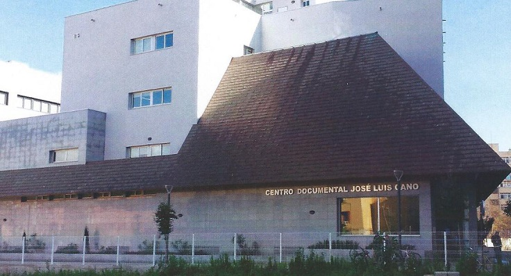 La Biblioteca Municipal se encuentra en el Centro Documental José Luis Cano