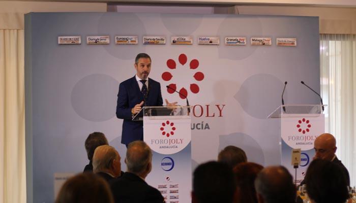 El consejero de Hacienda de la Junta de Andalucía, Juan Bravo