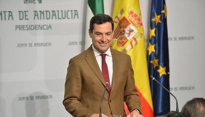 Juan Manuel Moreno Bonilla, antes de comparecer ante los medios