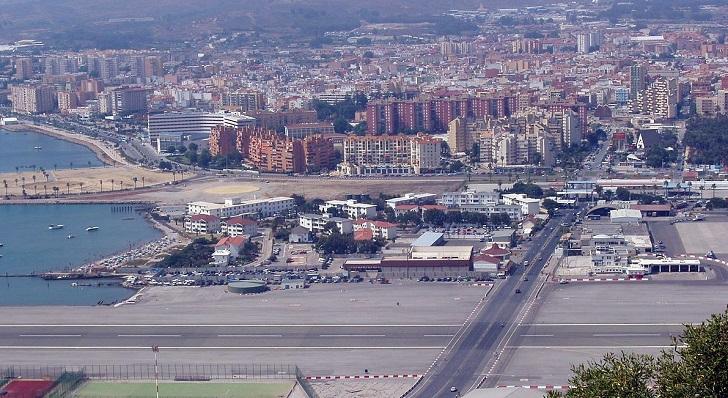 Una imagen de La Línea de la Concepción desde el Peñón de Gibraltar