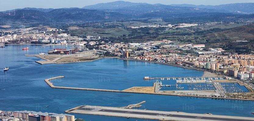 Una vista de La línea desde el Peñón de Gibraltar. Foto: NG