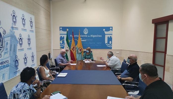 La Asociación 'La Trocha' de Algeciras se reúne con Pilar Pintor