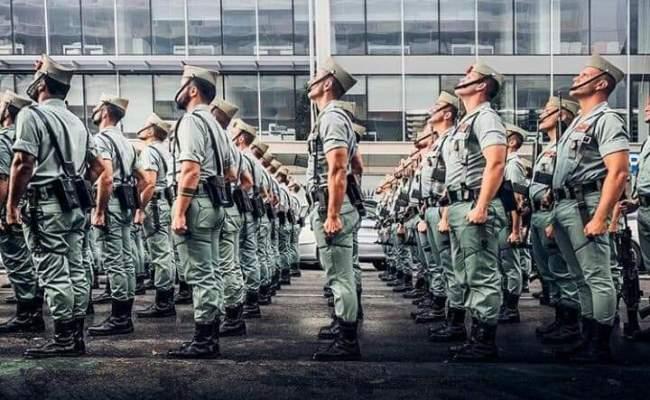Formación de legionarios. Foto COMGECEU