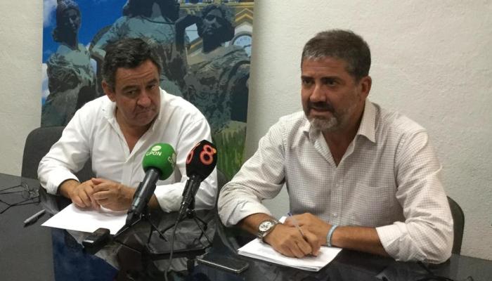 José Loaiza y Juan Pablo Arriaga, en rueda de prensa