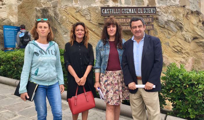 José Loaiza y María González han reclamado a Diputación que actúe en el castillo