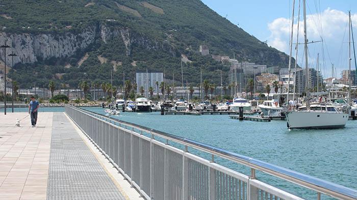 El puerto de Alcaidesa ha retomado parte de su actividad desde ayer