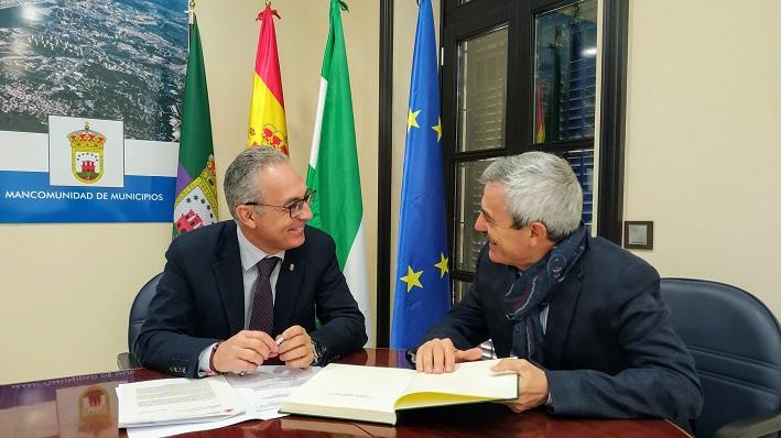 Juuan Lozano y Francisco Gil, durante su encuentro de este martes