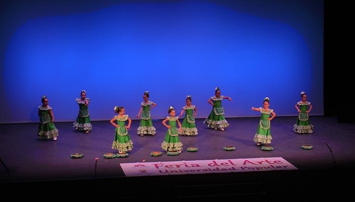 La Feria del Arte de San Roque vuelve hoy al Teatro Juan Luis Galiardo