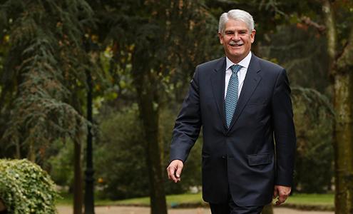 Ministro de Exteriores de España, Dastis Quecedo