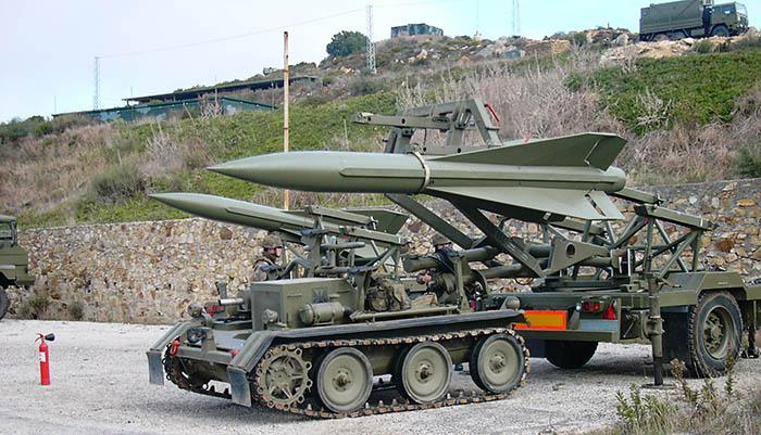 Un lanzador 'Hawk' del Grupo I/74 de Campamento (San Roque)
