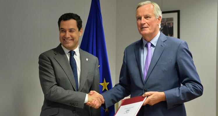 Juanma Moreno y Michel Barnier, este lunes en Bruselas
