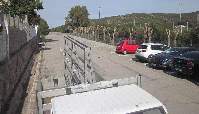 La zona de aparcamientos ha sido adecentada en su conjunto