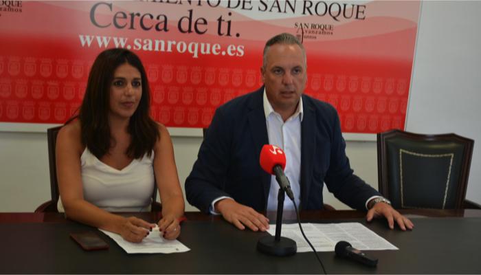 La delegada de Educación, Belén Jiménez, y el alcalde, Juan Carlos Ruiz Boix