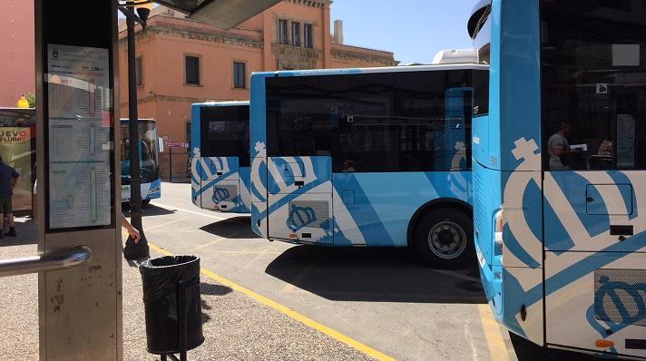 Autobuses del servicio urbano de La Línea