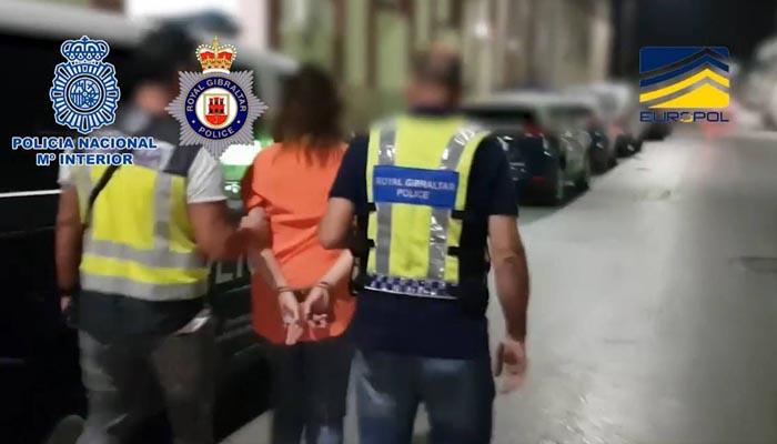 Una de las personas detenidas en la operación