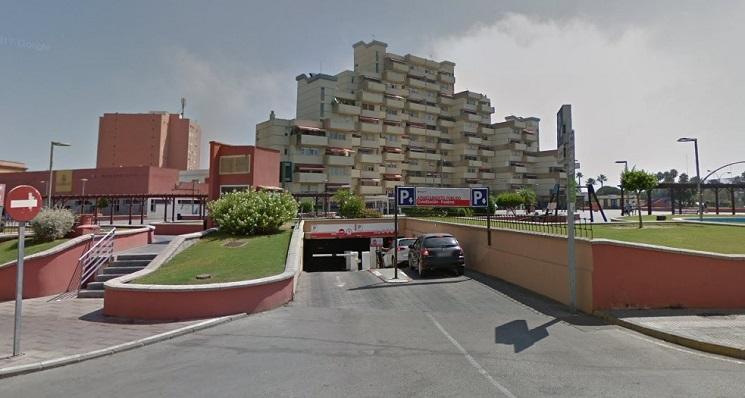 Entrada de vehículos al parking subterráneo de la Plaza de la Constitución