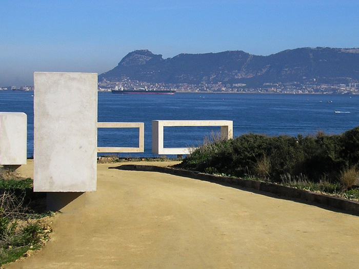 Vista de Gibraltar desde el parque del Centenario de Algeciras