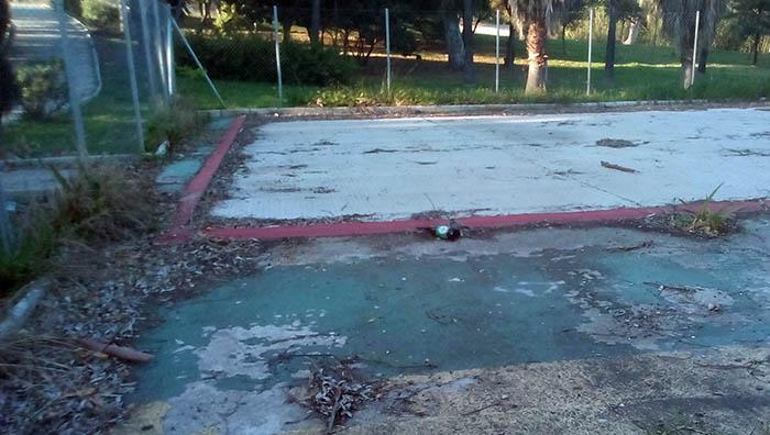 Estado del parque infantil Francisco Soler de Algeciras