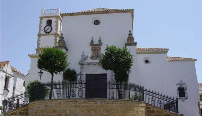 Parroquia de Santa María la Coronada en San Roque