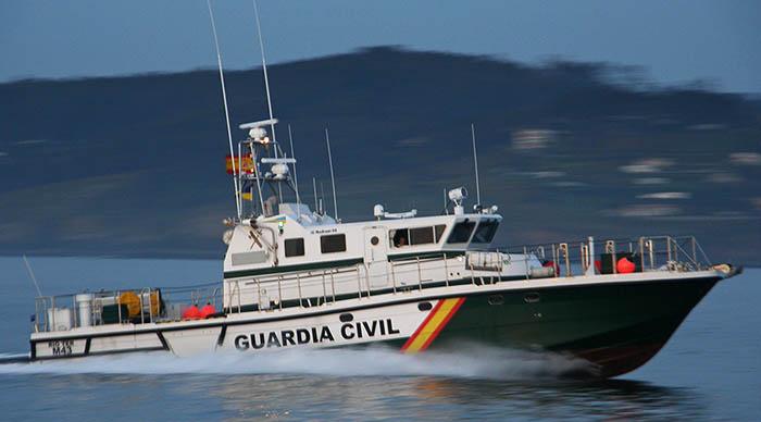 Según Esteban López, la presencia de la Guardia Civil hizo que la policía gibraltareña abandonara su barco