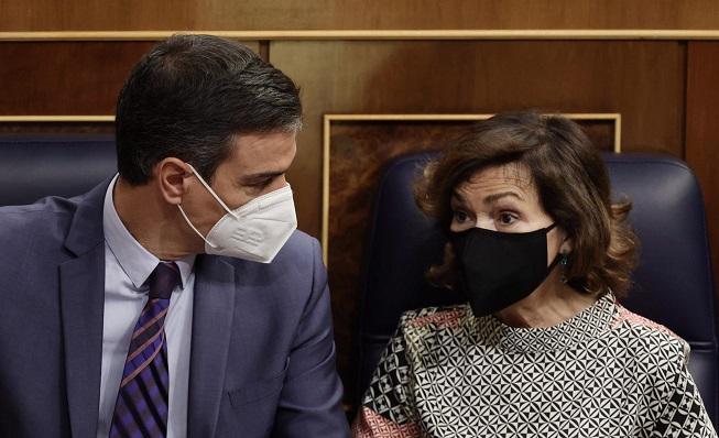 Pedro Sánchez y Carmen Calvo, en imagen de archivo. Foto: NG