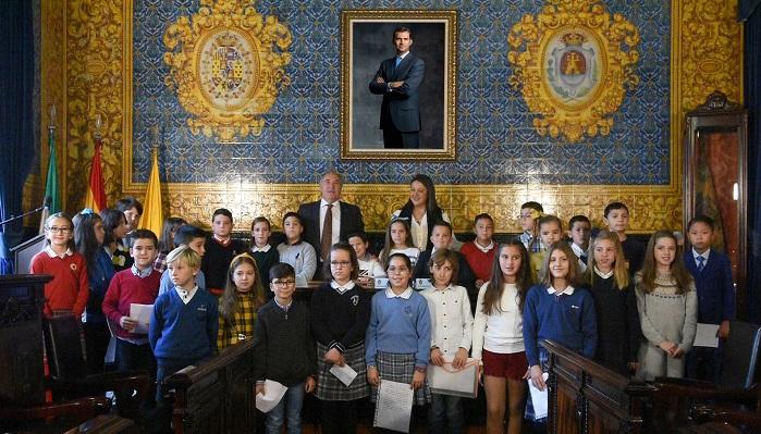 Los alumnos protagonizan el pleno infantil previo al Día de la Constitución