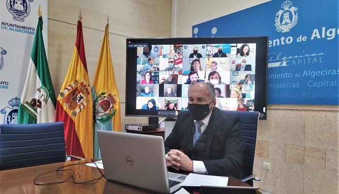 Aprobada la conversión en césped artificial de tres campos de Algeciras