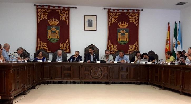 Una foto de un pleno en este mandato, antes de la pandemia. Foto: lalínea.es
